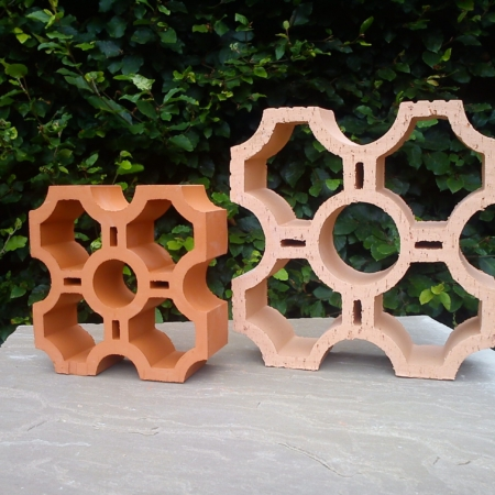 Provencal Screen Block