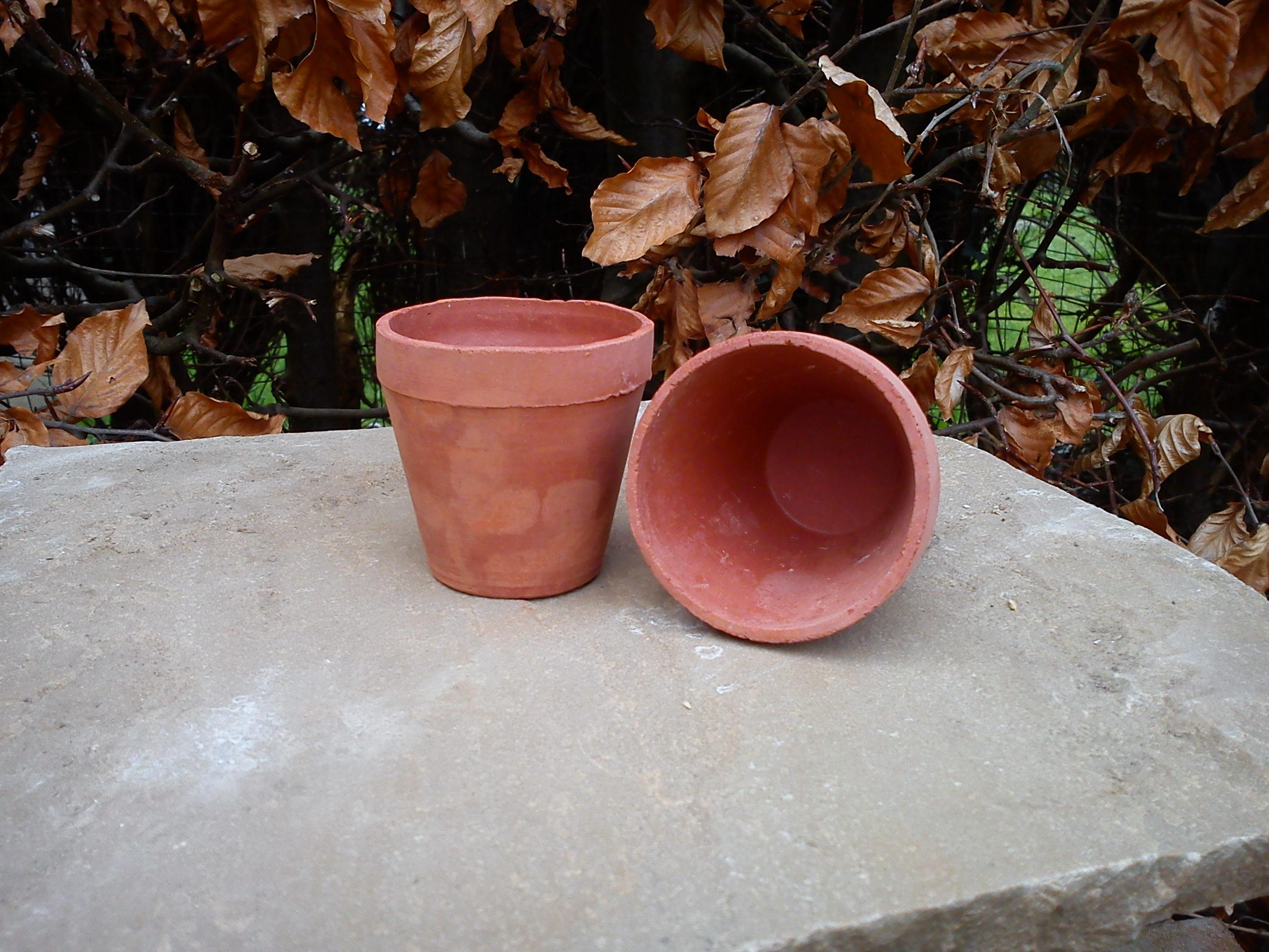 Small No Hole Pot X 3 Terracotta World